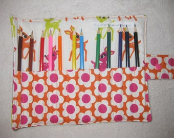 Purse small fawns with 12 crayons and pencils