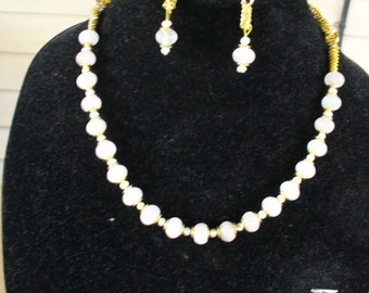 White an Gold Necklace