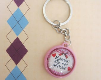 "Mother's day - MOM gift: key ""MOM she is awesome"""
