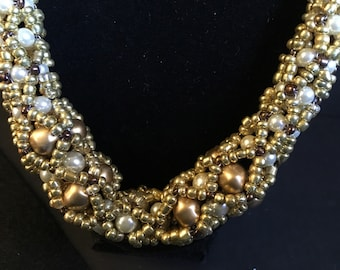 Glass beaded and pearl necklace