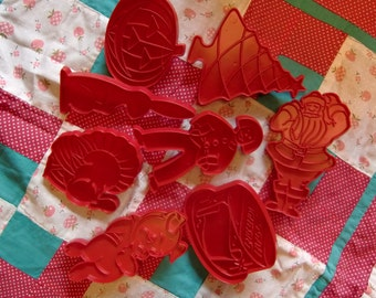 8 Vintage Tubberware  Holiday Cookie Cutters - Original Directions and Recipe