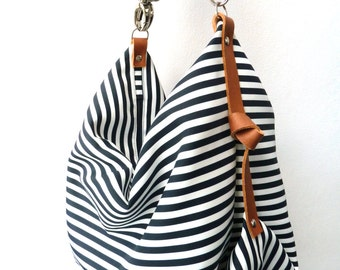 Diaper bag / Maxi bag / Messenger bag / Canvas bag / Nappy bag / Personalized diaper bag / Marina Navy Blue