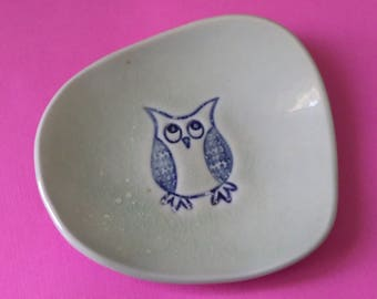 Handmade Owl Dish, Porcelain Trinket Dish, Owl Ring Dish, Ceramic Spoon Rest, Pottery Dish, Small Owl Dish, Party Favors,
