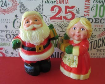 Vintage Hallmark 1980 Santa and Mrs Claus salt and pepper shakers original box Holiday tableware S&P plastic shaker