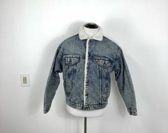 80's 90's vintage levi's sherpa lined denim jean jacket four pocket fleece size M