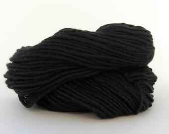 Black Weaving Yarn, Navajo Weaving Yarn, Wool Yarn, 4oz skein