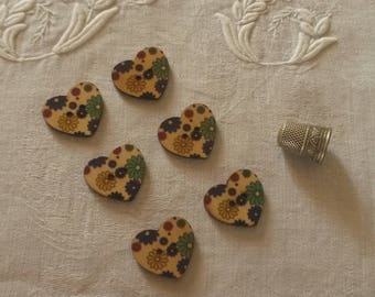 6 buttons painted wooden hearts / flowers patterns