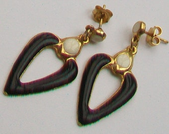Black and White in Gold Tone Dropper Earrings
