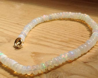 Natural fire Opal Bracelet in 585 yellow Gold