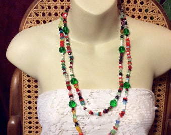 Vintage all glass beads beaded necklace.