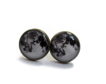 FULL MOON EARRINGS - moon earrings - moon stud earrings - moon jewelry - space - full moon jewelry - planet - moon posts - moon studs