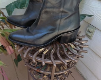Zodiac black leather boots women 9M EXCELLENT like new fits 8 1/2 also