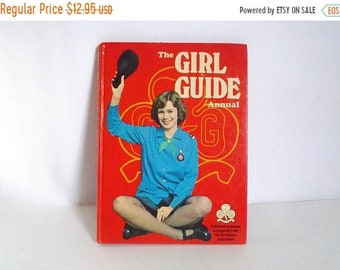 Sale - Vintage c. 1978 Girl Scouts The Girl Guide Annual Hardback Book - Puzzles - How Tos - Camping - Crafting - Activities Book - 77 Pages