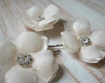 Set of 3 champagne hair flower 3 Cream hair flower Champagne hair piece Champagne wedding Champagne accessory Cream wedding Cream headpiece
