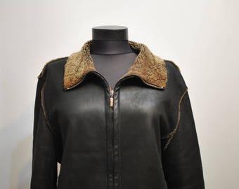 Vintage LAMBSKIN WOMEN'S fur jacket ...................(549)