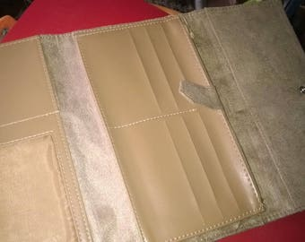 172) clutch wallet and checkbook holder