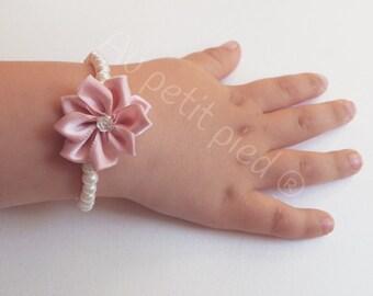 Little girl flower beaded bracelet-child bracelet-baby flower bracelet-flower girl-baby shower gift