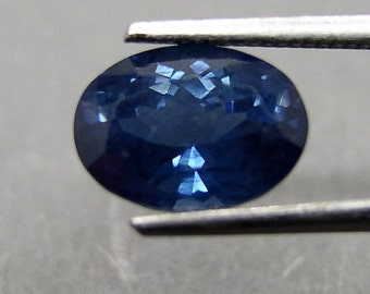 Blue sapphire , oval faceted , 1.93 ct