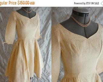 "ON SALE 50s 60s Dress //  Vintage 50's 60's Cream Damask Jacquard Party Dress by Emma Domb Size S 25"" waist wedding full skirt tulle undersk"
