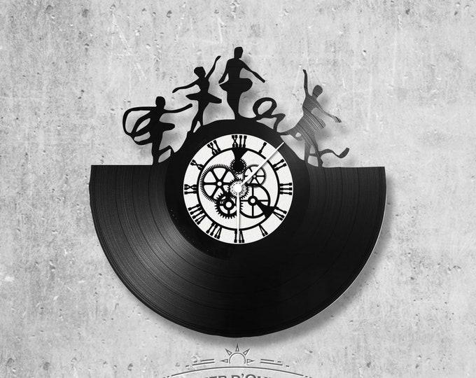 Vinyl 33 clock towers theme dance - grams