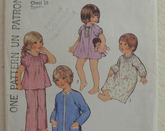 Children's Nightdress, Pajamas, Dressing Gown, Housecoat Pattern - Vintage Style 4557 - Size 1/2