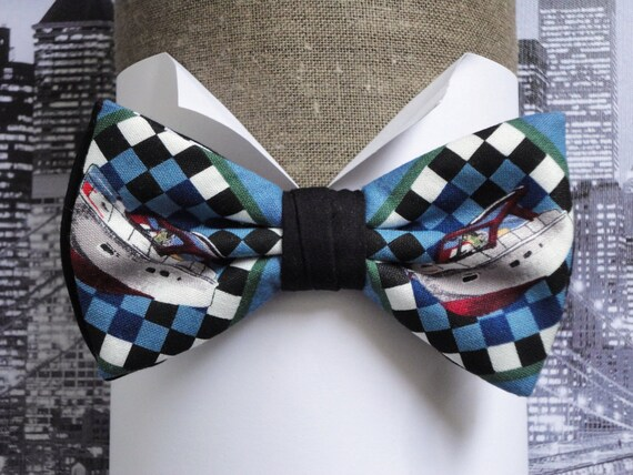 Bow ties for men, pre tied bow tie, boats print on a blue background