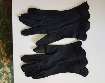 Vintage Ladies' Gloves (#6) Small Size Black Cotton with Scallop at Wrist