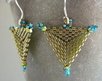 seed bead earrings, beaded earrings, swarovski crystal elements earrings, handmade earrings