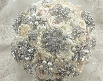 Vintage Brooch Bouquet. FULL PRICE White Ivory Silver Silk Roses Flower Broach Bouquet. Champagne Light Blush.