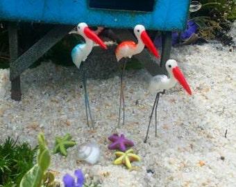 Miniature Pelican Fairy Garden, Cake Topper, Terrarium, Dollhouse, Fairy Garden Accessories, Garden Miniatures, Beach Bird