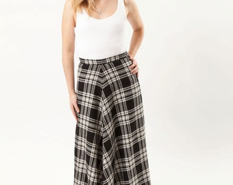 1970s High-Waisted Wool Plaid Midi/Maxi Skirt - Black and White - 1970s/70s