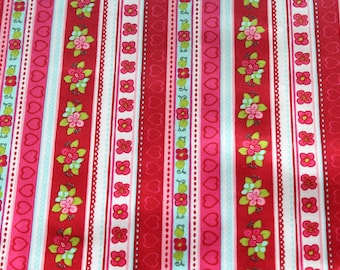 Laminated cotton fabric flowers and Pink Hearts 50 x 70 cm