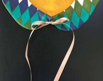 Peter Pan collar hangs with Ribbon