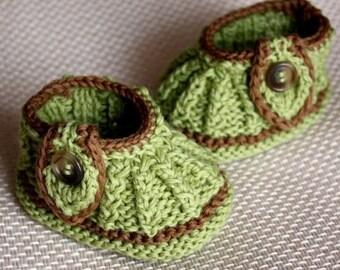 knitting pattern (pdf file) Leaf Baby Booties (0-6/6-12 months)