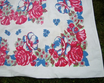 Vintage Floral Tablecloth BEAUTIFUL
