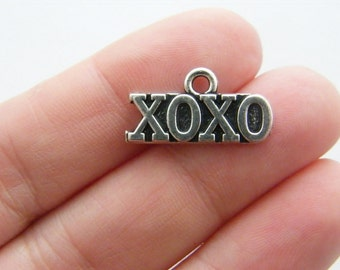BULK 20 XOXO hugs and kisses charms antique silver tone M588