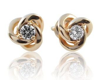 14k Gold 0.2 ct Diamond Stud earrings. Gold diamond studs. Tiny diamond studs. Diamond earrings. Flower studs earrings. Small diamond studs