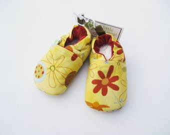 SALE Small Classic Summer Flowers / All Fabric Soft Sole Shoes / Ready to Ship / Baby Booties