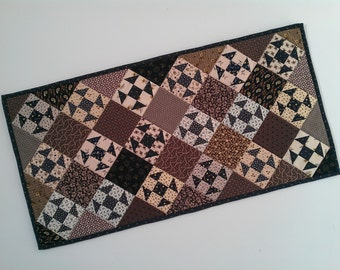Quilted Shoo Fly Table Runner (EDTR29)