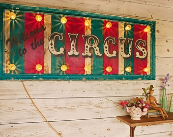 Light up sign 'Welcome to the Circus'. fairground lights/circus lights/wooden sign/vintage sign/retro sign/carnival lights/circus sign