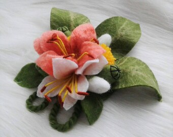 Felted flower brooch Lilies dandelion pin Felt pink white lily Felt lily brooch Wet felted flower pin Gift for mother Pink lilies brooch