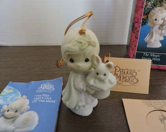 Limited Edition Vintage Precious Moments Ornament / The Magic Starts with You / Girl Magician with Rabbit in Hat / 529648 / New in Box