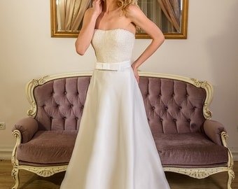 Nicolette ivory romantic wedding dress with bow