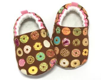 Donut Baby Shoes, soft sole baby shoes, Donut Baby Booties, Donut baby clothing, Toddler slippers, Baby Shower Gift, gift for baby