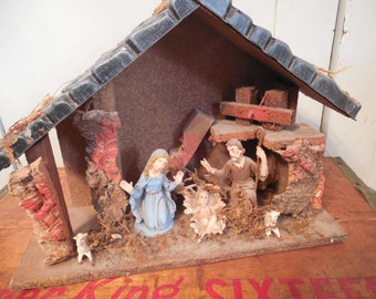 Beautiful Vintage Nativity Scene With Figures