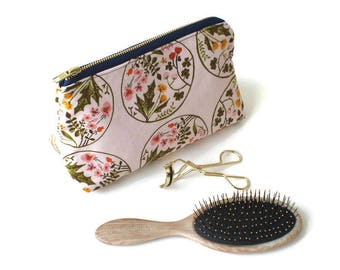 Makeup Pouch / Makeup Bag / Toiletry Bag / Toiletry Pouch / Waterproof Lining / Zipper Pouch / Cosmetic Bag / Cosmetic Pouch