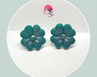 Four-leaf clover earrings in polymer clay