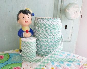Spring Green Gingham Crochet Edge Bias Tape (No. 89). Green Gingham Trim.  Green Gingham Fabric.   Spring Fabric.