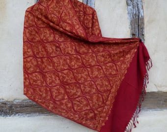 """Gold Red Embroidered Pashmina. 100%  wool shawl/stole. 80 x 20"""". 203 x 51 cm. Kashmir."""