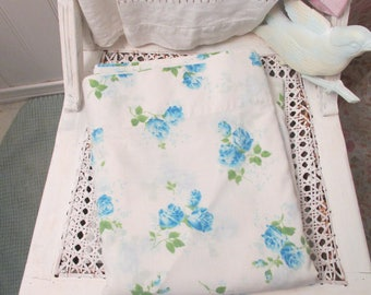 Vintage Twin Flat Sheet, Blue Roses, Dan River, Dantrel, No Iron, Cotton Polyester Percale, Made in USA